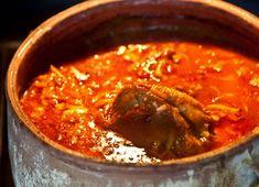 γιουβετσάκι με κόκκορα Orzo, Greek Recipes, Pork Chops, Thai Red Curry, Food To Make, Chili, Soup, Pasta, Ethnic Recipes