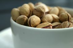 Pistachio Nuts for Erectile Dysfunction Healthy Tips, Healthy Choices, Healthy Eating, Pistachio Health Benefits, Food Out, Fun Food, Calories A Day, Food Facts, Veggies