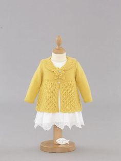 """""""We've given this sailor collar cardie a flowery finish! The flower detail fastens the collar. Baby Sweater Patterns, Cardigan Pattern, Baby Cardigan, Baby Patterns, Knitting Patterns, Knitting For Kids, Baby Knitting, Crochet Baby, Knit Crochet"""