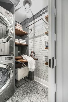 Small and Functional Laundry Room Ideas (23)
