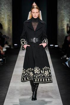 Ermanno Scervino Fall 2020 Ready-to-Wear Fashion Show - Vogue Vogue Fashion, Fashion 2020, Runway Fashion, Womens Fashion, Fall Fashion Outfits, Long Silk Skirt, Organza Dress, Ermanno Scervino, Fashion Show Collection