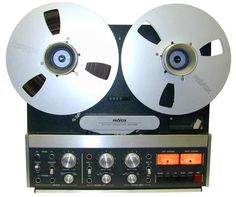 Revox B77 stereo reel-to-reel tape recorder of 1977 is the successor to the famous A77. It featured numerous improvements, and was so successful that a pro version was created, the PR-99. In 1978 and 1978 you could buy both the A77 and the B77; the B77 cost 100 dollars more. This is a Mk. II from 1987.