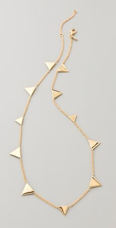 I have a feeling that this necklace will give the illusion that sun beams are radiating from your neck!
