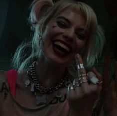 Arlequina Margot Robbie, Margot Robbie Harley Quinn, Harley And Joker Love, Joker And Harley Quinn, Foto Joker, Evvi Art, Harey Quinn, Der Joker, Shotting Photo