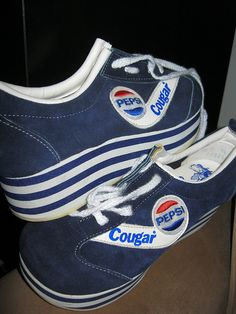 My sister's friend had a pair of these in the '70s... man how I wanted these sooooo baaaad!