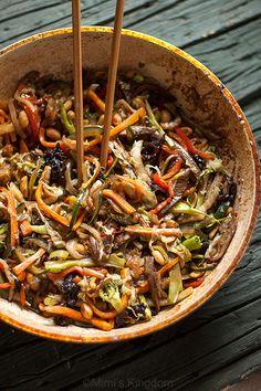 POVRĆE NA KINESKI NAČIN – Mimi's Kingdom – food, nature, photography, gardening (stir fry) Breakfast Crepes, Nasu, Japchae, Oysters, Food And Drink, Beef, Cooking, Ethnic Recipes, Desserts