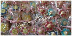 Biscoito amanteigado de baunilha decorado com glacê real e pasta americana para festa infantil jardim das bonecas