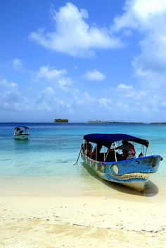 Dog Island, one of the main camping islands in the San Blas Islands of #Panama