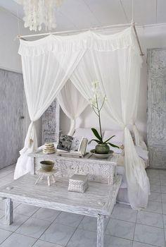 12 idées de lit à baldaquin et de ciel de lit pour une somptueuse chambre   BricoBistro