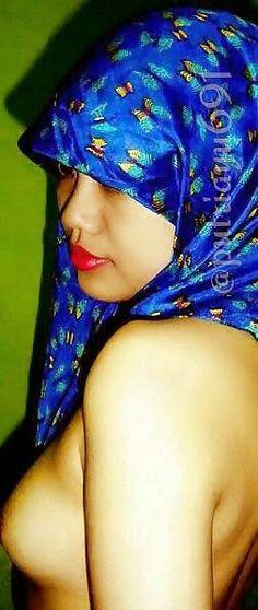 bugil  Blue Hijab