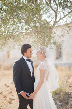 Simply elegant Portugal wedding | Photo by Piteira Photo | Read more - http://www.100layercake.com/blog/?p=69193
