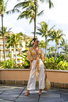 Travel outfit summer tropical vacations sandals new Ideas Source by outfits Tropical Vacation Outfits, Tropical Outfit, Tropical Vacations, Tropical Clothes, Tropical Fashion, Hawaii Outfits, Honeymoon Outfits, Beach Outfits, Travel Outfit Summer