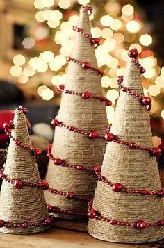 Best Alternative Christmas Tree Ideas - Christmas Celebration - All about Christmas Classic Christmas tree is a very good idea for Christmas, but sometimes we crave for something different, unusual and modern. Noel Christmas, Rustic Christmas, Winter Christmas, All Things Christmas, Christmas Ornaments, Burlap Christmas Decorations, Burlap Christmas Tree, Cone Christmas Trees, Christmas Projects