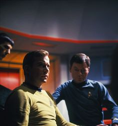Star Trek, on set Star Trek Episodes, Star Trek Movies, Star Wars, Star Trek Tos, Dr Leonards, Star Trek Convention, Spock And Kirk, Star Trek 1966, Star Trek Images
