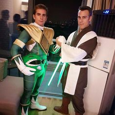 The ultimate team! #starwars #powerrangers #disney #jedi #greenranger #china #shanghai #theforce #darkside #lightside #lightsaber #tommy #cosplay #starwarscosplay #geek #nerd #team