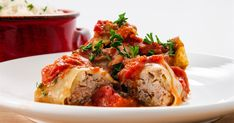 Beef Cabbage Rolls - What was once a vegetarian meal for poverty-stricken Eastern Europeans has over time been upgraded to status as a meaty, delicious staple that your whole family will love. Just don't tell the little ones that it's wrapped in cabbage. Wine Recipes, Beef Recipes, Vegetarian Recipes, Cooking Recipes, Budget Recipes, Recipes Using Hamburger, Flax Seed Recipes, European Cuisine, Cheap Easy Meals
