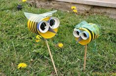 Pin on Diy garden design – Garden Projects Tin Can Crafts, Bee Crafts, Garden Crafts, Garden Projects, Art Projects, Garden Ideas, Diy For Kids, Crafts For Kids, Recycle Cans