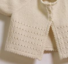 16 / Cream Cardigan Knitting pattern by Florence MerlinEdging is sooooo neat. But I like the simple lace stitch more. Interesting how tiny holes can look so elegant.Baby Cardigan & Knitting Pattern Instructions in French & PDFLittleFrenchKnits PAY bu Love Knitting, Baby Cardigan Knitting Pattern, Arm Knitting, Knitting For Kids, Baby Knitting Patterns, Knitting Designs, Baby Patterns, Cardigan Bebe, Cream Cardigan