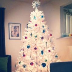 white-Christmas-tree-decoration