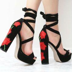 4755445240b62 Floral Embroidered Lace Up Chunky Heels Okulary Przeciwsłoneczne, Buty Na  Płaskim Obcasie, Sukienki,
