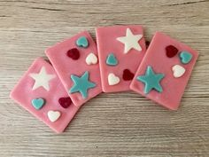This listing is for 1 Wax Melt Slice, this beautiful wax Melt Slice contains the fragrance Frosted Cotton Candy - Pink sugar crystals blended with smooth sweet buttercream frosting. These slices are thin enough to be snapped into the amount you want to place into your burner but substantial enough to be used a few times. They are decorated with pretty wax hearts and stars and dusted with a little glitter for a bit of sparkle! Dimensions are approximately- 6.5cm x 8.5cm x 0.7cm. Break off a…