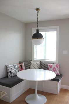 soothing modern breakfast nook/banquette, grays and pinks. i want my husband to build me one soooo bad! Kitchen Seating, Kitchen Benches, Kitchen Nook, Small Kitchen Redo, Small Kitchen Layouts, Home Decor Furniture, Kitchen Furniture, Dining Nook, Condo Living