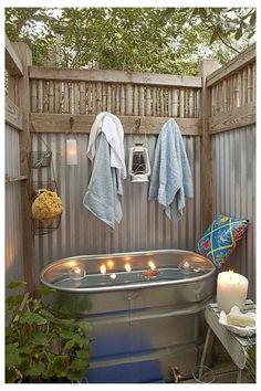Outdoor Bathtub, Outdoor Bathrooms, Rustic Bathrooms, Outdoor Showers, Tiny Bathrooms, Primitive Bathroom Decor, Rustic Bathtubs, Cheap Bathtubs, Bathrooms Decor