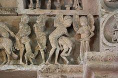 Photo of Vézelay Abbey (Basilique Ste-Madeleine): Central Tympanum Lintel: Big-Eared Folk Romanesque Art, Romanesque Architecture, Column Capital, Art Roman, Sculptures, Lion Sculpture, Masonic Symbols, Green Man, Middle Ages