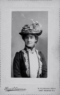 vintage everyday: Women's Headwears in the Victorian and Edwardian Eras – A Collection of 40 Vintage Studio Portraits of Pretty Ladies with Hats