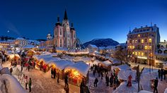 Holiday Christmas  Decoration City Light Holiday Market Night Snow Building People Square Wallpaper