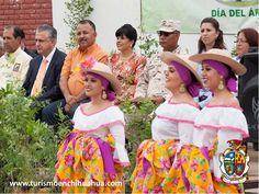 TURISMO EN CIUDAD JUÁREZ. En Ciudad Juárez estamos preocupados por el medio ambiente, por esta razón, en el marco del Día el Árbol, el Presidente Municipal Enrique Serrano, encabezó la donación de 700 árboles para beneficio de los habitantes de la ciudad. Trabajando en equipo lograremos un mejor estado y país. #turismoenchihuahua