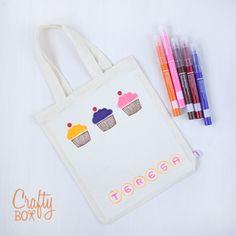 Crafty Box Kids: bolsa de tela pintada con rotuladores textiles.