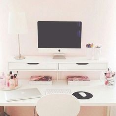 Clean work space - clean, organized desk with drawers attached to the wall - good as a home office or in kids' room Home Office Space, Desk Space, Office Workspace, Home Office Decor, Home Decor, Office Ideas, Workspace Design, Small Office, White Desk Office
