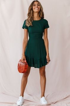 Meilani A-line Empire Dress Forest Green Spring Fashion 2020 Trends Spring Dresses Casual, Casual Dresses For Women, Fall Dresses, Green Outfits For Women, Short Summer Dresses, Green Winter Dresses, Sexy Casual Outfits, Simple Short Dresses, Forest Green Dresses