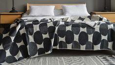 monochrome-ovals-pattern---abstract-pattern-blankets Monochrome Bedroom, Bedroom Black, Dream Bedroom, Cubist Art, Boho Designs, African Design, Organic Shapes, Modern Boho, Abstract Pattern