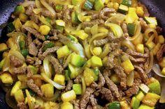 Salteado de verduras al wok con ternera. El wok es una forma sana, deliciosa y muy rápida de preparar verduras y carne, con un ligero salteado que deja la carne lista y las verduras ligeramente crujientes, está... de escándalo!
