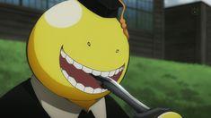 Koro-sensei, how you able to eat that knife?! o.o