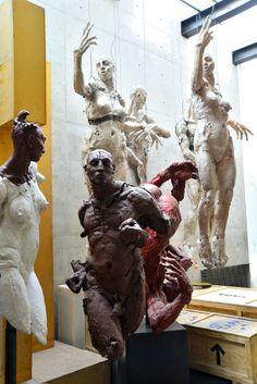 Estudio Javier Marín – Dic. 2013   Cha Baeza Mixed Media Sculpture, Sculpture Art, Contemporary Sculpture, Contemporary Art, Javier Marin, Installation Street Art, Sculpture Techniques, Plastic Art, Statue