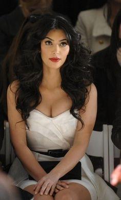 Kim Kardashian Curly Hairstyle