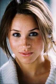 Meghan Markle (Suits TV Show).. she is just gorgeous. Makes me love freckles.