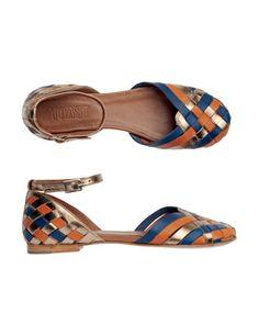 Sandaaltjes.
