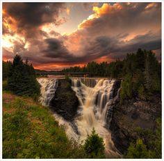 Kakabeka Falls :) by Jennifer Greenland, via Flickr
