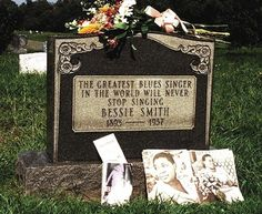 Janis Joplin paid for the tombstone of her idol, blues singer Bessie Smith. After being killed in an automobile accident the singer was buried in an unmarked grave, which did not sit well with Janis. Janis Joplin, Bessie Smith, Famous Graves, Blues Music, Music Love, Soul Music, African American History, Kirchen, Woodstock
