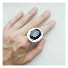 Descontos Especiais: anel com ônix facetado   Preços e informações: Email : contato@copella.com.br WhatsApp : ( 31 ) 9706-7323