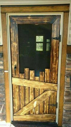 38 Barn Wood Decor Ideas - There are essentially two varieties of cabin furniture. Furniture in a log cabin is largely famous for its elegant and advanced design. by Joey country home decor 38 Barn Wood Decor Ideas Diy Screen Door, Screen Doors, Wooden Screen Door, Panel Doors, Barn Wood Decor, Barn House Decor, Barn Wood Crafts, Rustic Cabin Decor, Rustic Crafts