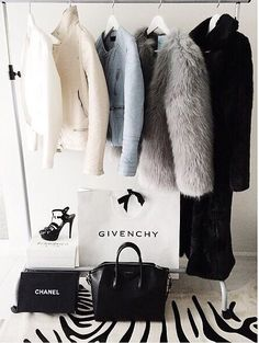 fancy clothes and closet High Fashion, Winter Fashion, Womens Fashion, Fashion Trends, 90s Fashion, Spring Fashion, Fashion Shoes, Chic Minimalista, Outfit Trends