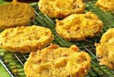 Weight Watchers Recipes - Oven-Fried Green Tomatoes: I love fried green tomatoes and will have to try this