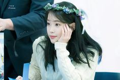 "IU 191128 ""Love Poem"" Fansign Talent Agency, Love Poems, Korean Singer, Girl Group, Kdrama, Actresses, Kpop, Twitter, Girls"