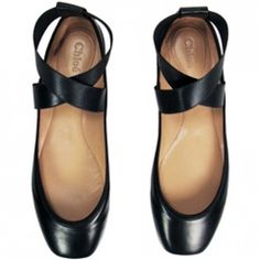 Chloe Criss-Cross Ballerina Flats- WANT. ~ They look like pointe shoes! Chloe Ballet Flats, Ballerina Flats, Chloe Shoes, Black Ballerina, Ballet Shoes, Crazy Shoes, Me Too Shoes, Mode Shoes, Mocassins