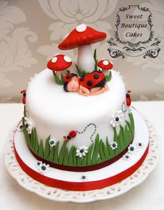 Backen Babyparty-Kuchen The Art Of Landscaping Your Garden Landscaping is the one gardening endeavor Pretty Cakes, Cute Cakes, Beautiful Cakes, Amazing Cakes, Decors Pate A Sucre, Super Torte, Ladybug Cakes, Baby Ladybug, Baby Girl Cakes